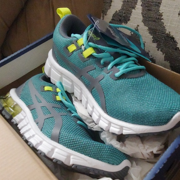 Asics Other - NWT Asics running shoes size 5